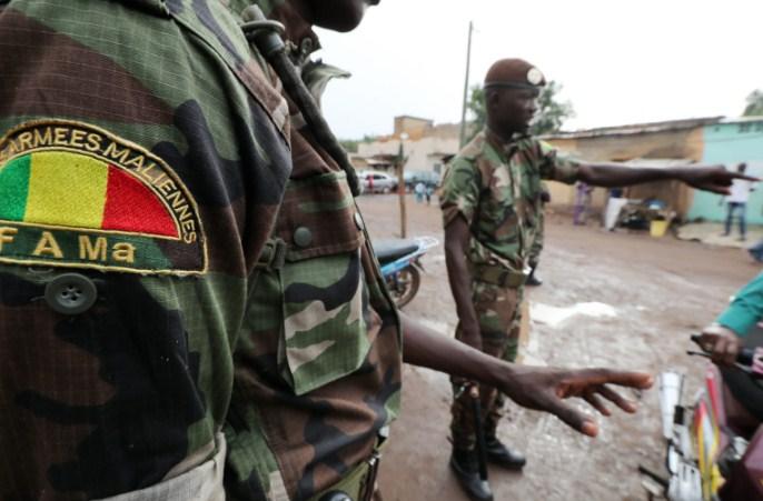 Бунт во Мали, наводно уапсени претседателот, премиерот и неколку министри