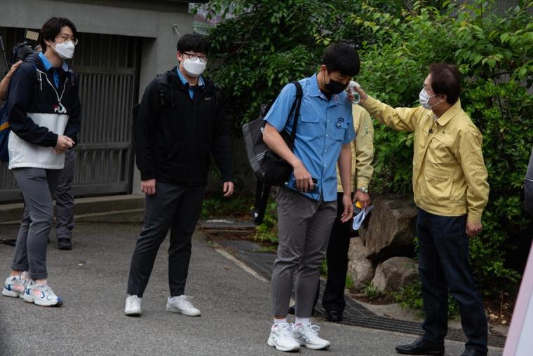 Задолжително носење маски во Сеул поради зголемен број заразени од Ковид-19