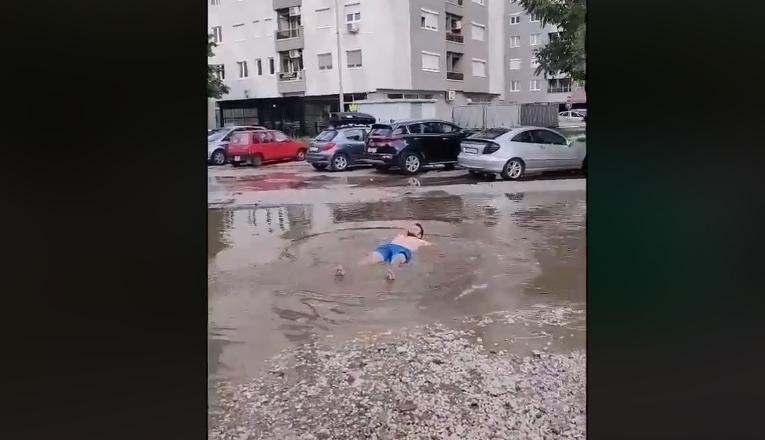 На маката си направија шега: Аеродром поплавен по невремето, граѓаните со уникатна порака до надлежните (ВИДЕО)