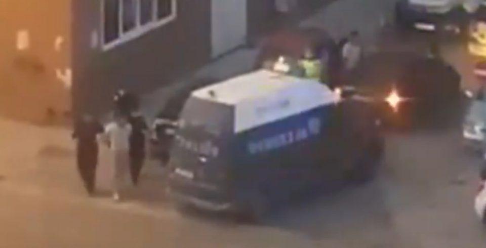ВИДЕО: Полицијата ги приведе учесниците во инцидентот пред Градска болница