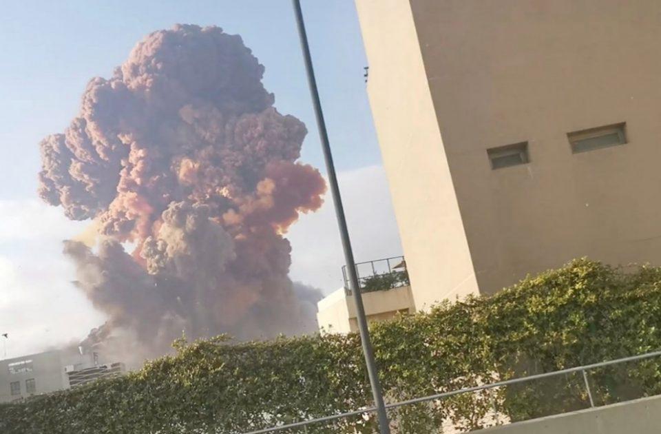 Експлозии во Бејрут го потресоа светот: Потресни сцени од страшните моменти (ВИДЕО)