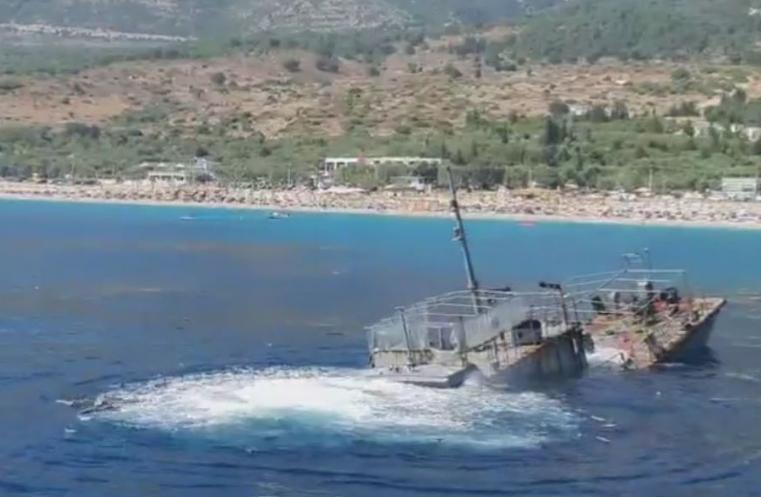 Потопен воен брод туристичка атракција во Дерми