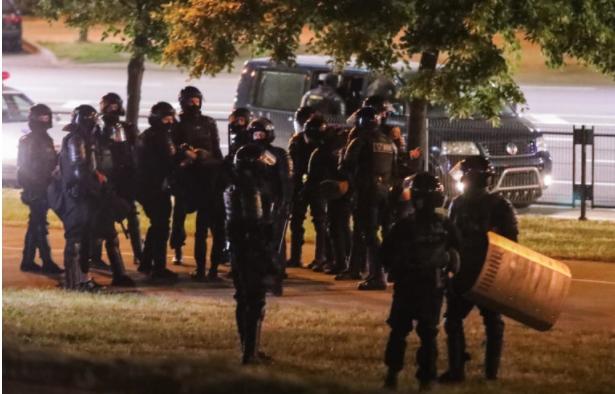 Белорусија: Во текот на ноќта уапсени уште 700 демонстранти