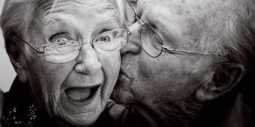 Психолозите откриле кој е клучот за зачувување на љубовта во долгите врски