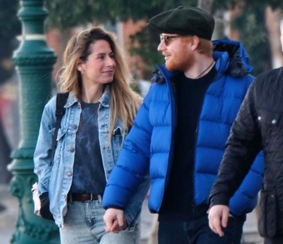 Ед Ширан ќе стане татко, со сопругата ја чуваа бременоста во тајност