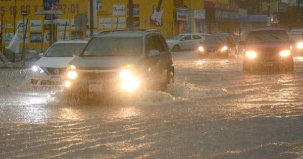 Бурата Елида во близина на Мексико станува ураган