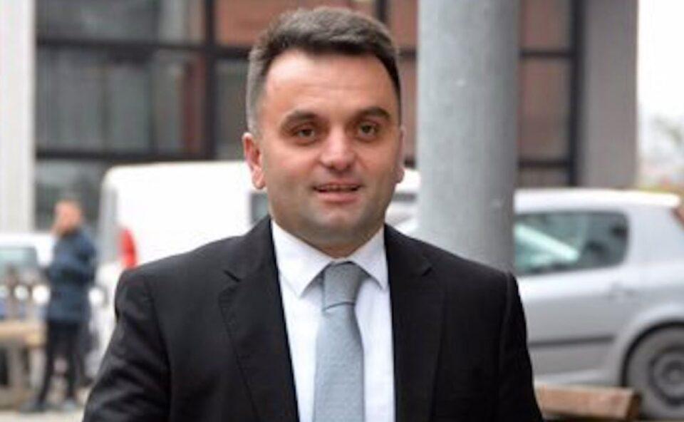 Директорот на Тетовската болница Бесими бил в.д. 11 години, оставката уште не ја доставил до Министерството за Здравство