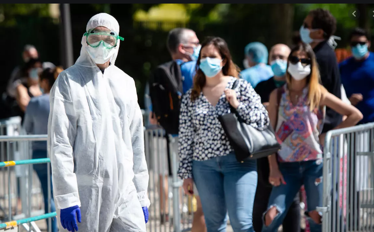 Повеќе од 1.400 француски општини наложија задолжително носење маски надвор