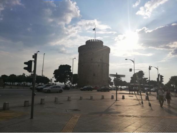 Грција: истрага на Обвинителство за ширењето на коронавирусот во дом за стари лица во Солун