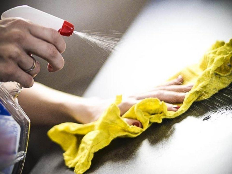 Починала чистејќи го тоалетот: Две хемиски средства биле фатални за оваа жена