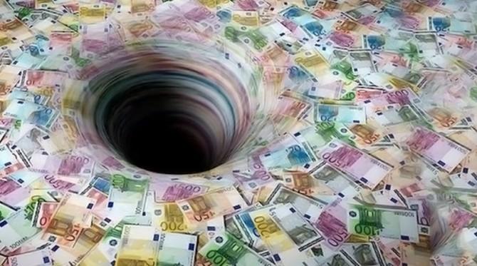 Долгот достигна 7,4 милијарди евра, само во последните три месеци е зголемен за нови 213 милиони евра