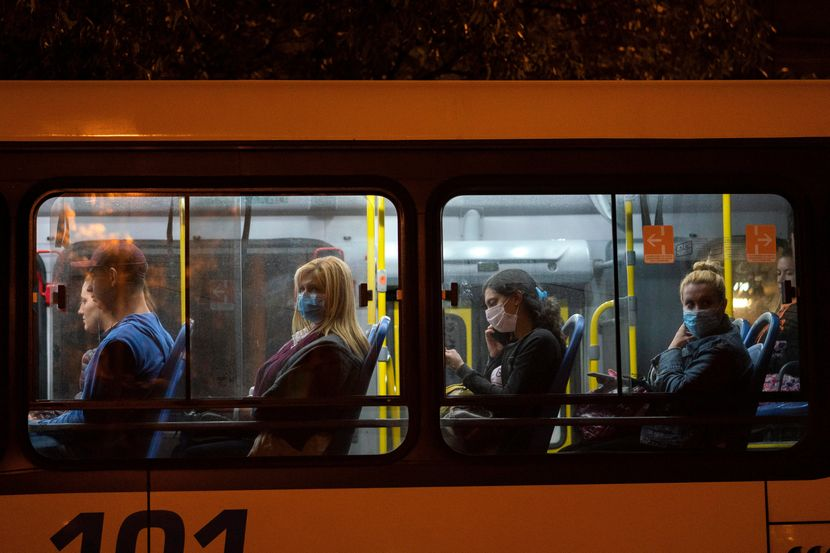 Научници: Јавниот превоз сепак не е главно легло на зараза од коронавирусот
