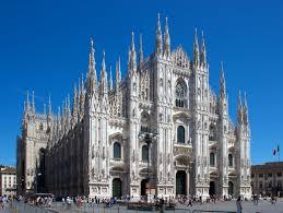 Инцидент во катедралата Дуомо во Милано: Вооружен напаѓач киднапирал чувар