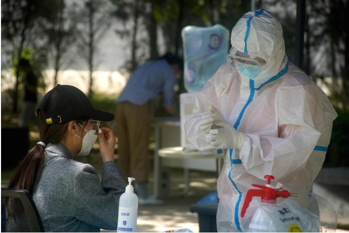 Во Кина се тестираат 4,8 милиони луѓе дневно за Ковид-19