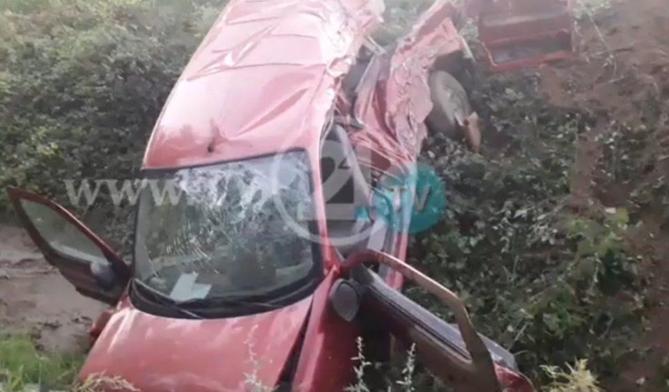 Воз се заби во автомобил близу Тетово, повредени две лица (ВИДЕО)