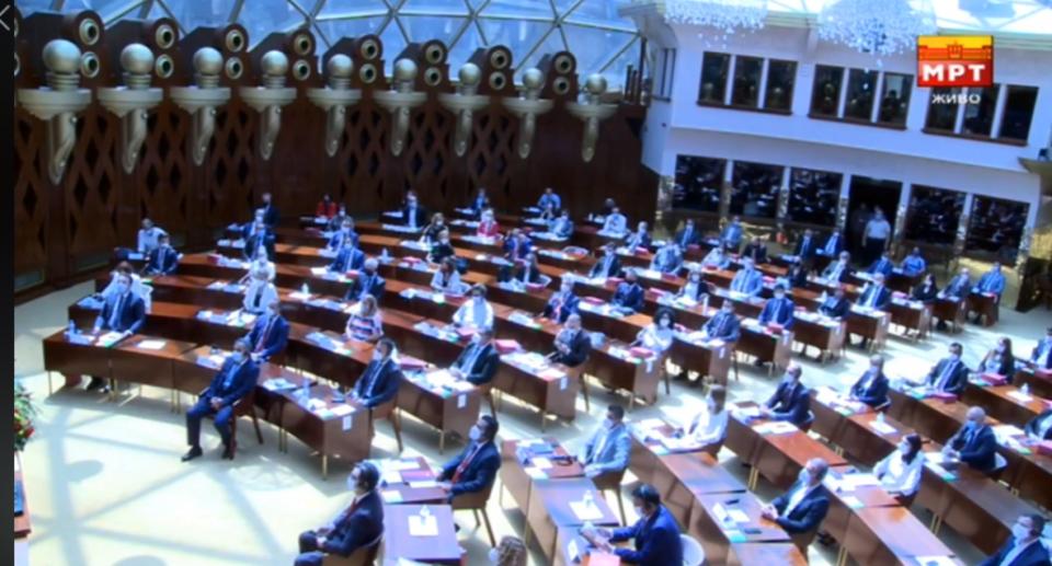 Собранието ги верификуваше мандатите на новите 120 пратеници