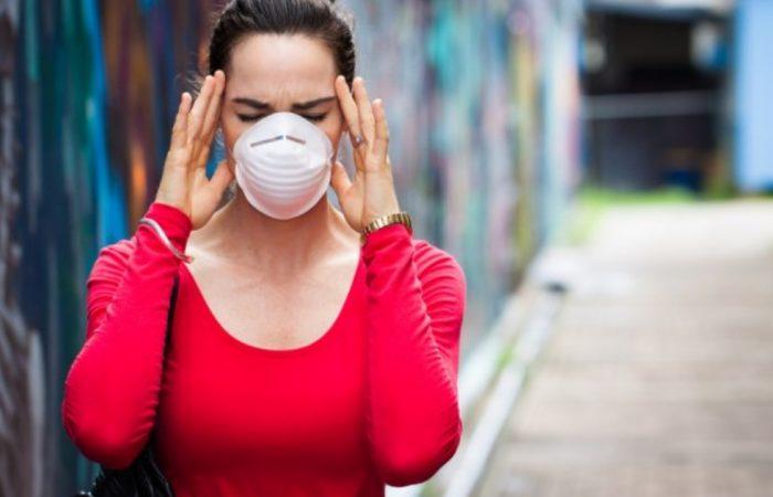 Два симптоми кои се занемаруваат, а се ран знак за смртоносниот вирус корона
