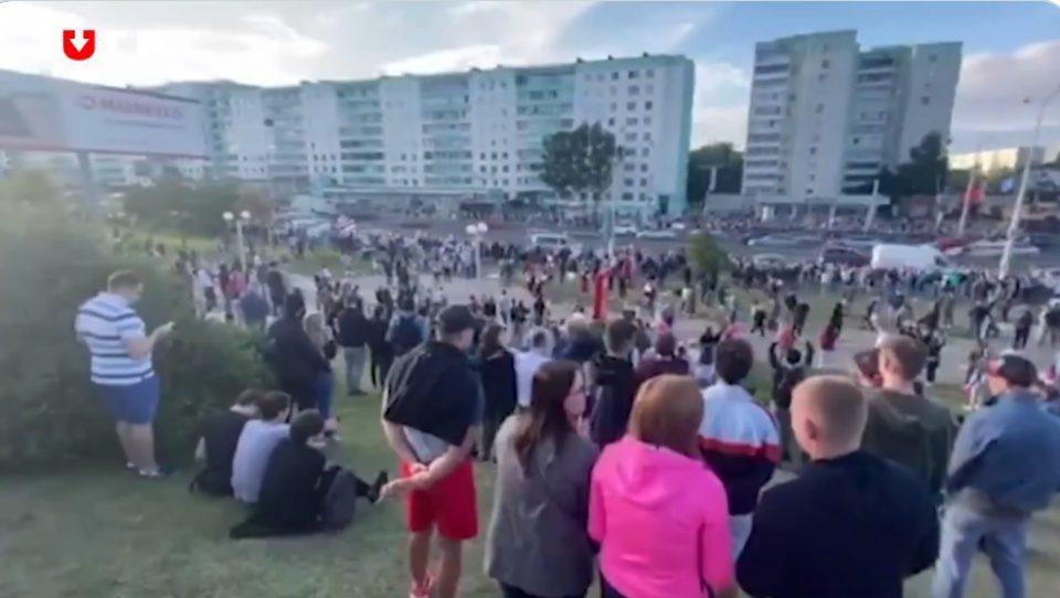 Полицијата во Минск ги затвори приодите кон Плоштадот на независноста