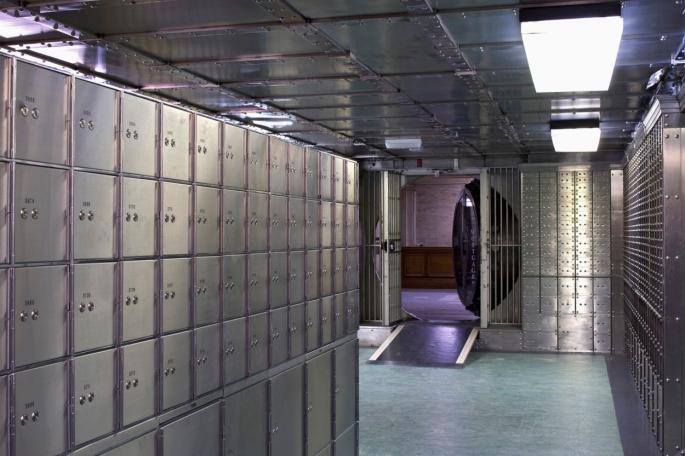 Корисниците на сефови во Еуростандард ќе си ги земат вредните предмети, откако ќе дојде стечајниот управник