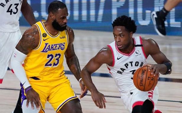 Актуелниот шампион на НБА убедлив против Лејкерси