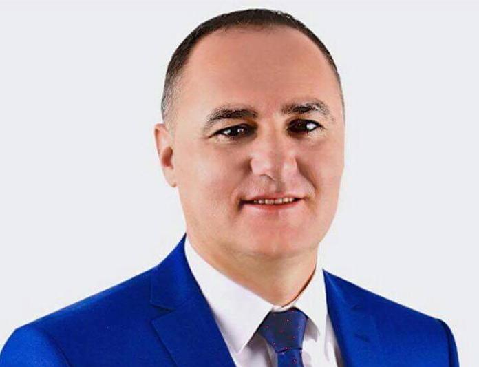 Нефи Усеини од бегство си отвори фирма во Битола (ФОТО)