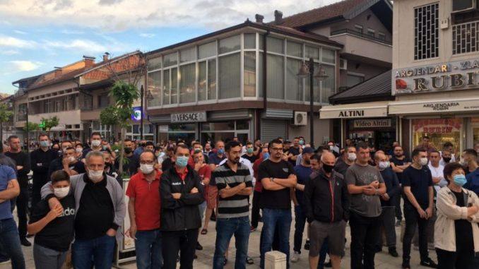 Дебрани протестираа против поскапување на струјата