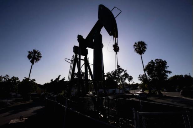 Хутите тврдат дека нападнале нафтена постројка во Саудиска Арабија