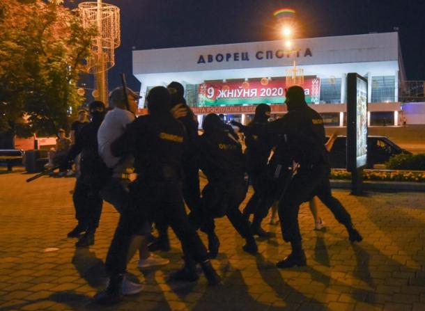 Нови апсења на демонстранти во Белорусија