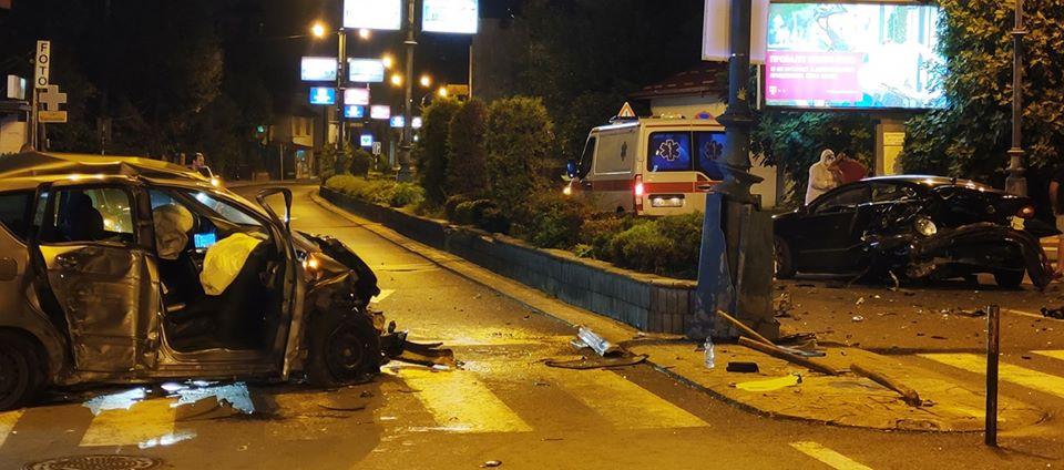 ФОТО: Тешка сообраќајка на Водњанска, повредени две лица