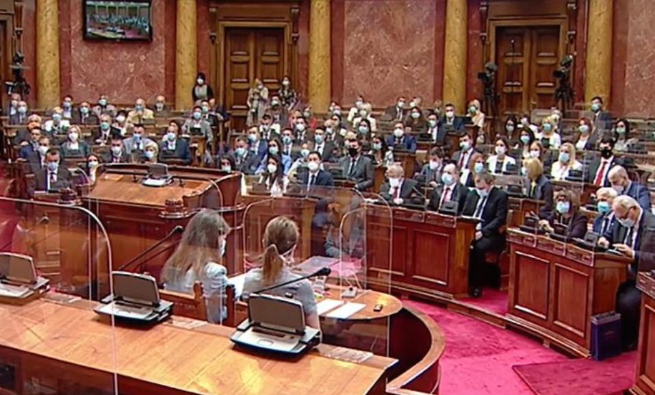 Конституиран новиот српски Парламент, реакции на опозицијата