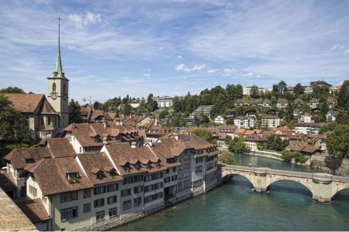 Швајцарија: Патниците кои доаѓаат од Шпанија ќе мора да поминат 10 дена во карантин