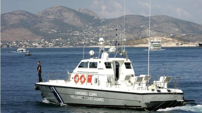 На грчкиот остров Хиос пристигнале 23 турски државјани кои наводно бараат политички азил