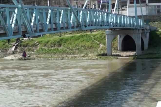 Велешанец исчезна во Вардар при обид да спаси екипа на ЕВН