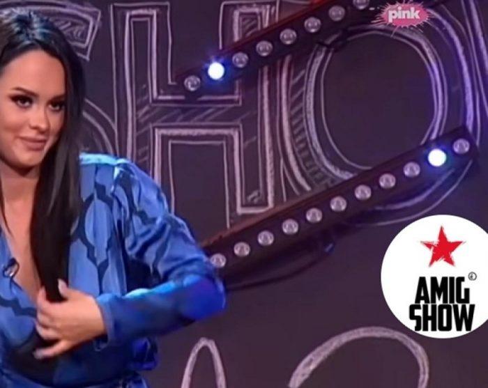 Баш се посрамоти: На пејачката и испаднаа силиконите среде емисија (видео)