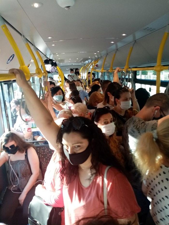 ФОТО: Нов кластер на корона во автобус 24 – ка во Скопје