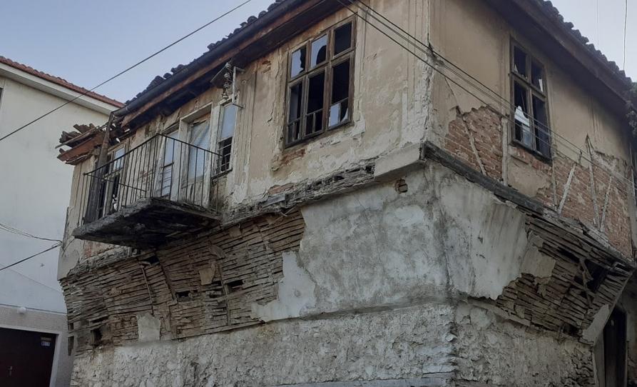 Велес неповратно ги губи старите автентични куќи, бисерот на староградската архитектура