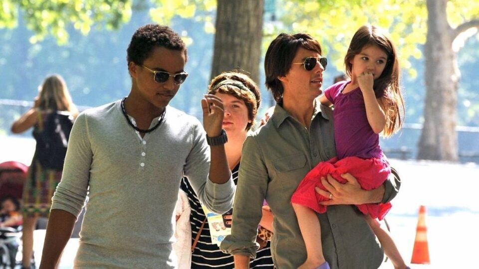Има две ќерки, а само со синот е во добри односи: Децата на Том Круз (ФОТО)