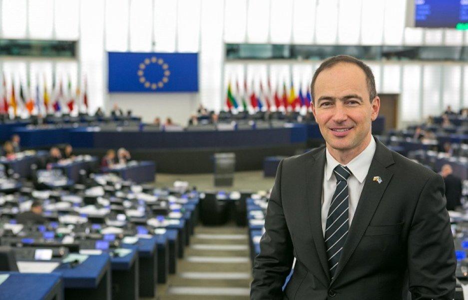 Ковачев: Македонија е единствена која е во НАТО, а се стреми кон ЕУ, а се држи до носителот на комунистичката диктатура, Тито и Колишевски