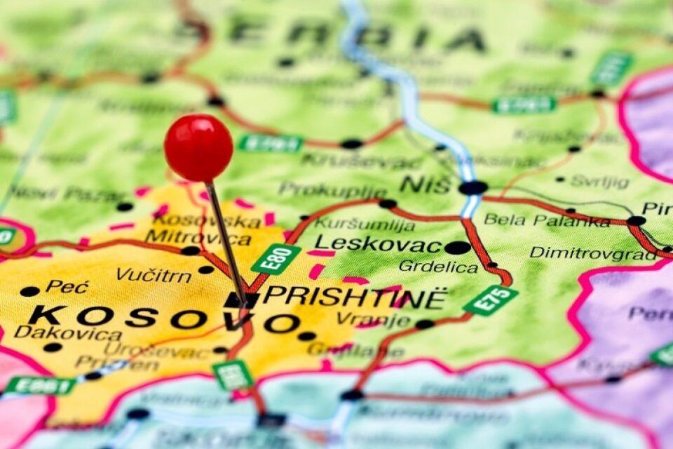Курти: Уставот на Косово не дозволува обединување со Албанија