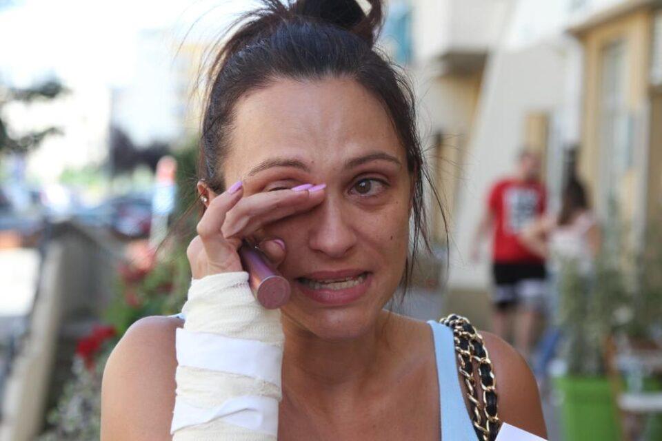 Доби лист хартија од кој буквално се онесвести: Пејачка која кршеше сѐ пред себе откри што ја снашло два дена по изневерувањето