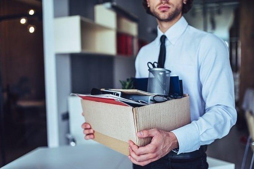 За објавени статистички податоци, функционер од власта на вработен му се заканува со отказ
