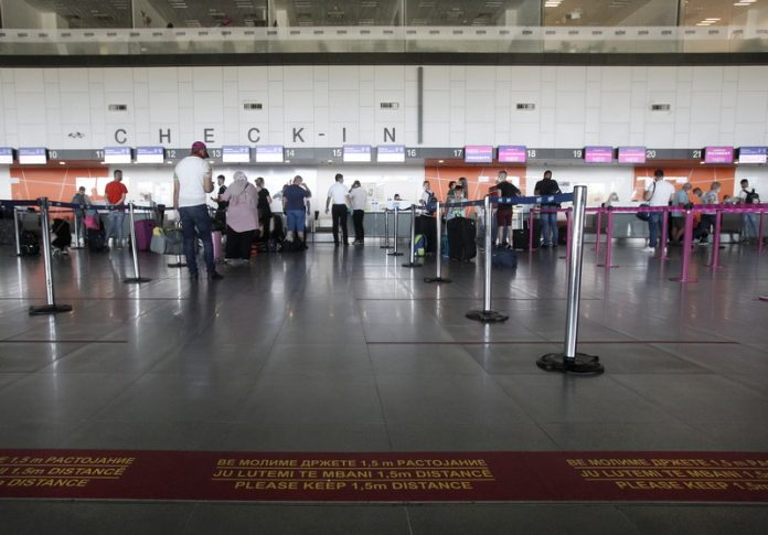 Прикажувале лажни потврди за негативни ПЦР тестови на Меѓународниот аеродром Скопје – поднесени обвинителни предлози за 12 лица