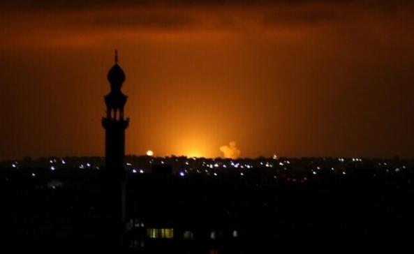 Израелската армија бомбардираше цели на Хамас во појасот Газа