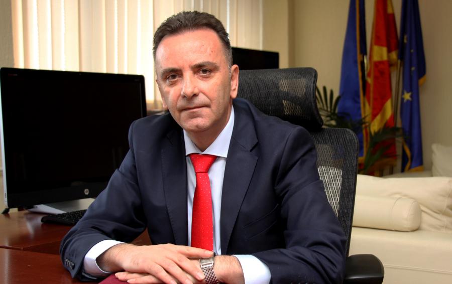 ИНФОМАКС: Началникот за борба против организиран криминал Лазе Велковски направил сообраќајка со службено возило и под дејство на алкохол?