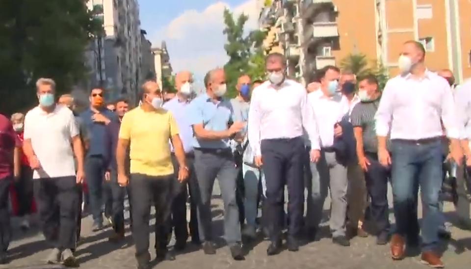 ВО ЖИВО: ВМРО-ДПМНЕ по втор пат протестира поради високата цена на струјата (ВИДЕО)