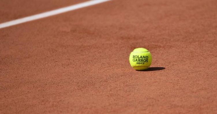 """Британскиот тенисер Еванс по поразот на """"Ролан Гарос"""": Дури ни на куче не би му дал вакви топчиња"""