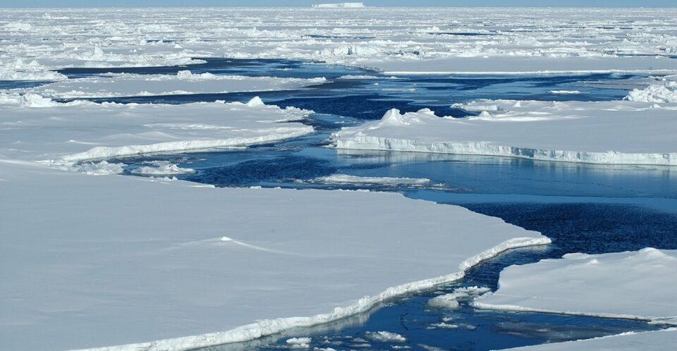 Површината на арктичкиот морски мраз по втор пат падна под 4 милиони квадратни километри