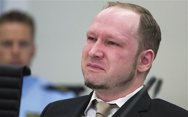 Норвешкиот екстремист Брејвик бара предвремено ослободување од затвор