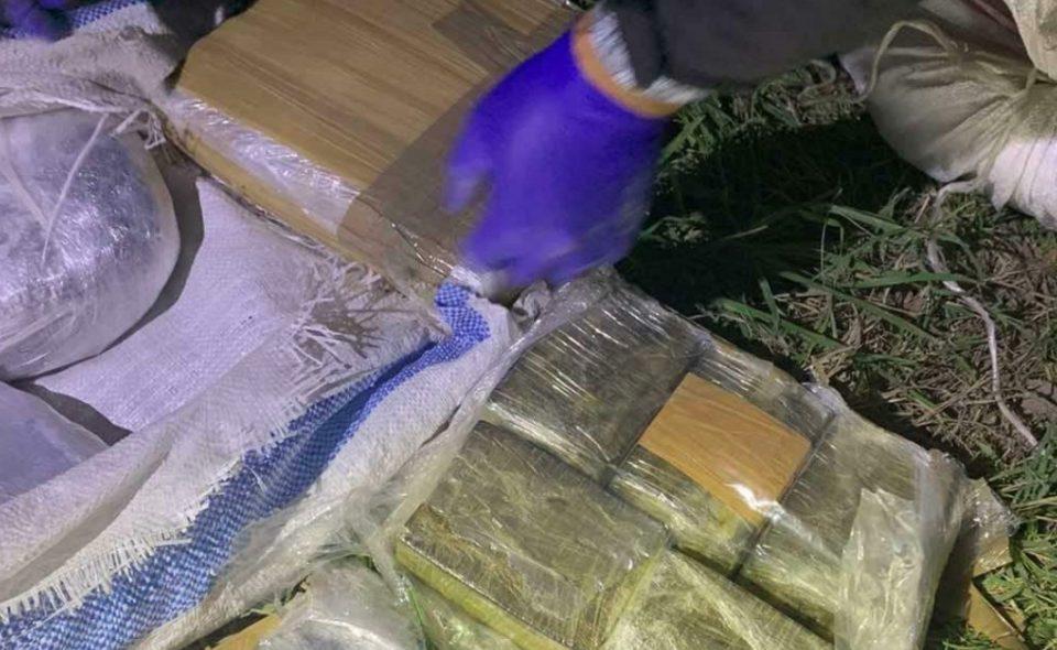 Запленети 48 килограми дрога во прилепско, приведени тројца дилери