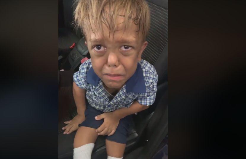 Се сеќавате ли на тажното момче кое плачеше и велеше дека ќе си го одземе животот- сега е на уште поголема мака (ФОТО)